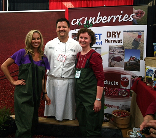 RHOV Reiko Mackenzie and Chef Chris Remington in the BC Cranberry bog at the Fra