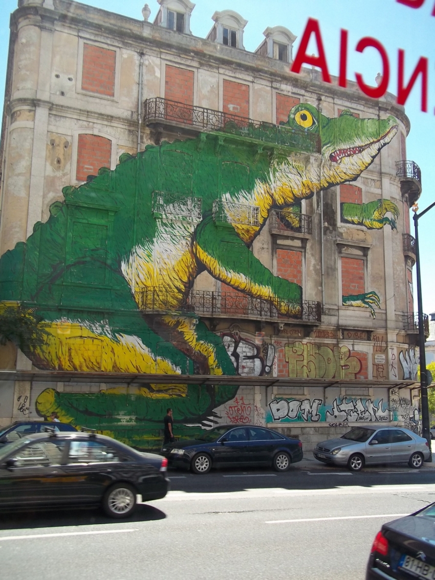 Crocodile Wall Mural, Lisbon, Portugal.  Photo by Anthony Alan Shelton