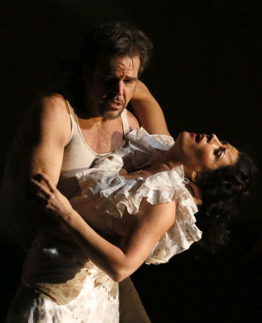Don José (Richard Troxell) and Carmen (Kate Aldrich). Photo: Tim Matheson
