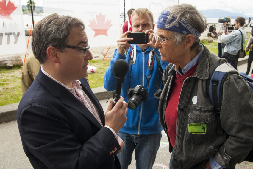 Ezra Levant Vancouver oil pipeline rally - Mychaylo Prystupa