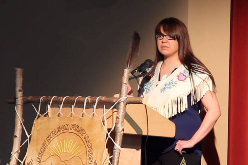 Fort Nelson Chief Sharleen Gail kicks BC officials out of LNG Sumit - Youtube