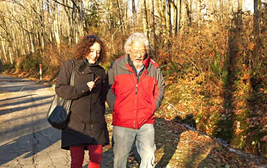 Photo of Linda Solomon Wood and David Suzuki on Burnaby Mountain by Mychaylo Pry
