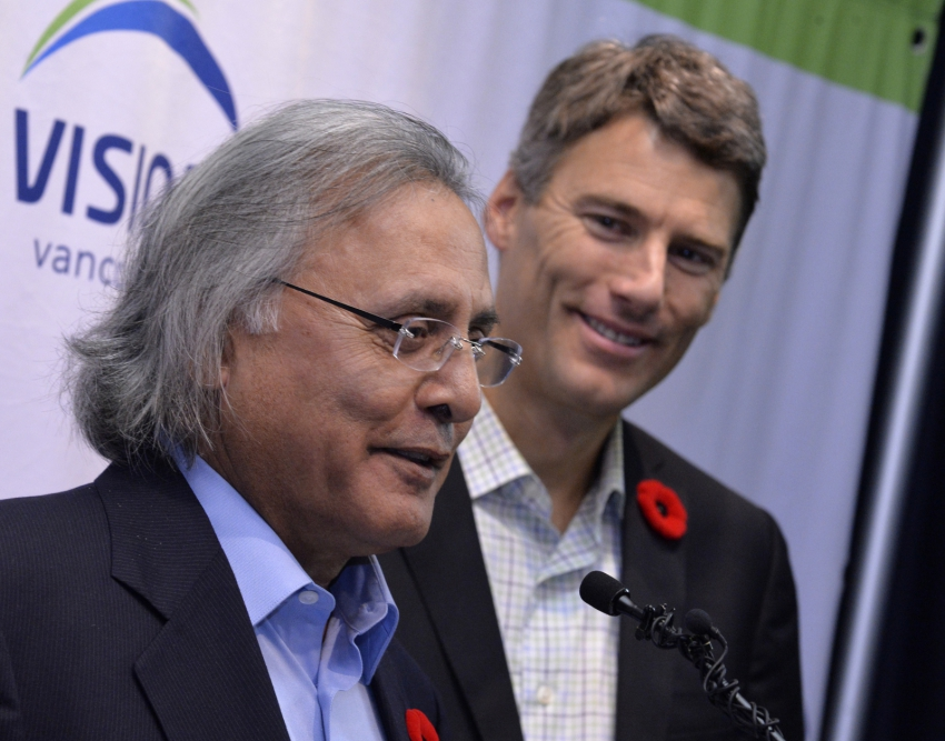 Photo of Ujjal Dosanjh (left), Mayor Gregor Robertson (right)