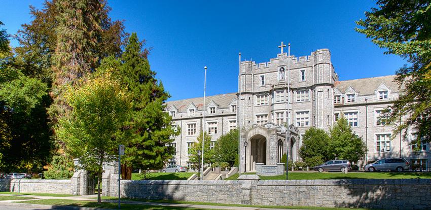 St. George's School, Vancouver private schools, Christy Clark, VSB