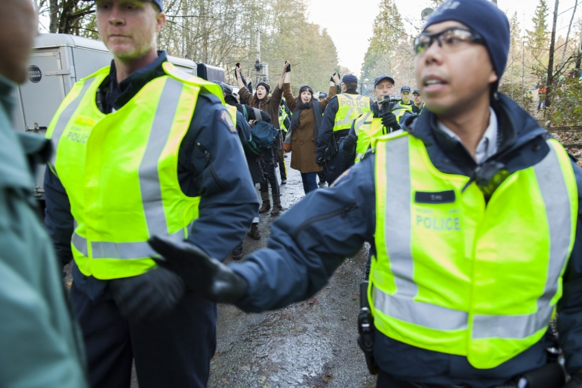 Burnaby Mountain protesters cross police line Kinder Morgan Mychaylo Prystupa