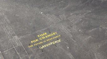Greenpeace presents message beside the historic Nazca lines calling