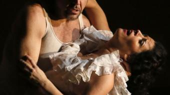 Don José (Richard Troxell) and Carmen (Kate Aldrich). Photo: Tim Matheson