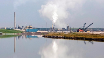 CP. Oilsands mobile air monitoring cancelled over funding problems