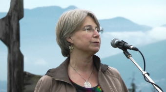 Dr. Lynn Quarmby, at Burnaby Mountain pipeline rally. (YouTube)