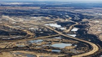Canadian media, oil influence, Canadian politics, Linda Solomon Wood