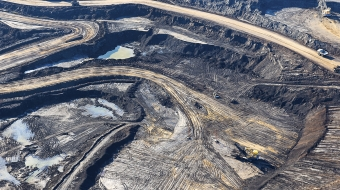 Photo of oil sands by Andrew S. Wright