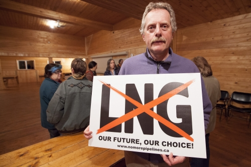 Graeme Pole No More Pipelines No LNG sign - Mychaylo Prystupa