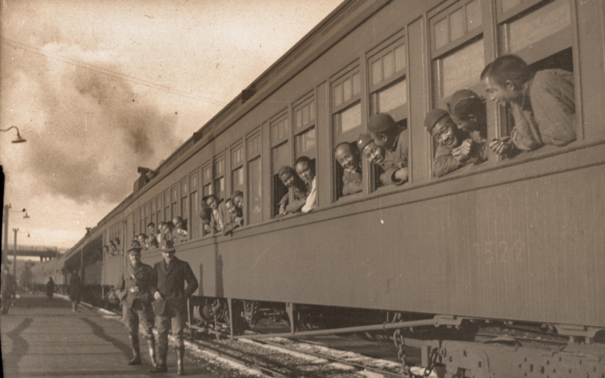 Train carrying Chinese labourers across Canada