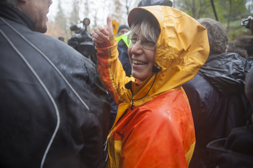 Lynne Quarmby about to be arrested on Burnaby Mountain - Mychaylo Prystupa