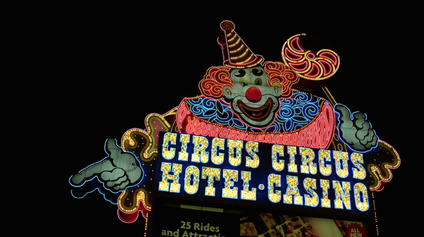 Circus Circus scary clown